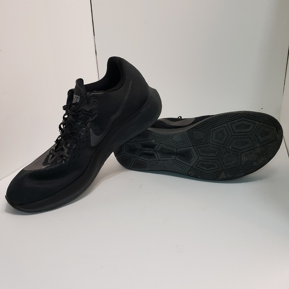 2463d7761d38 MEN S NIke Zoom Fly Running Shoes Triple Black. M 5c785ebca31c33c377ac8e8d